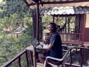 teaching english online best travel job